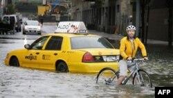 Amerika'da Kasırgadan Sonra Sel