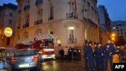 Bomba ispred ambasade Indonezije u Parizu