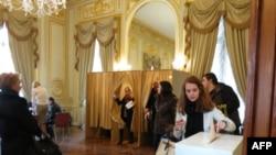 В зале голосования
