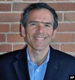 美国移民律师协会执行主任戴维·利欧波德