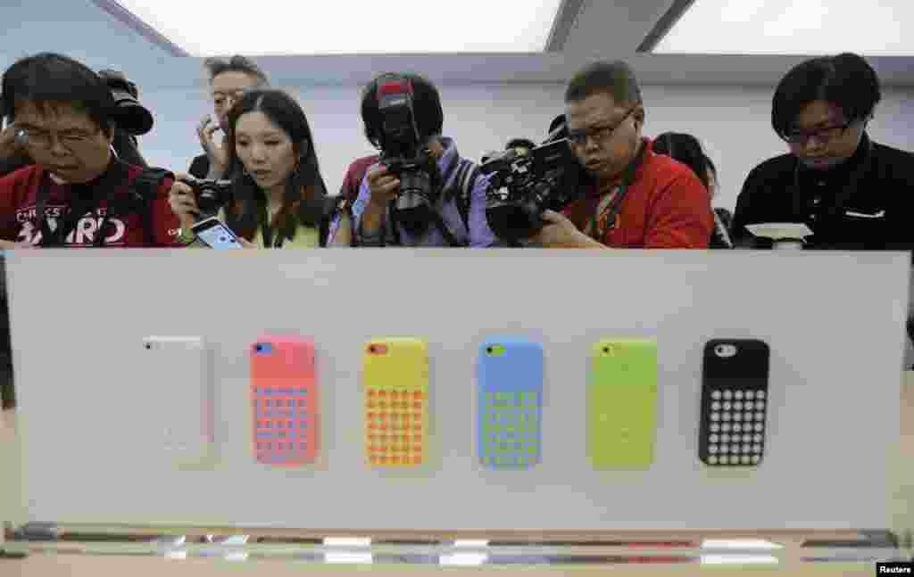 ایپل کی طرف سے 2007 میں آئی فون متعارف کرائے گئے تھے۔