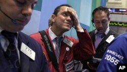 Los corredores de bolsa interpretaron el declive de ganancias como una señal de que la economía se desacelerará.