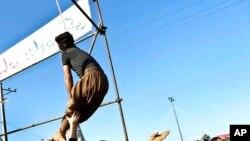Des militants contre la peine de mort réclament la grâce d'un détenu qui a survécu à la pendaison en Iran