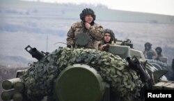 Навчання ЗСУ на сході України, 20 квітня 2021, Reuters