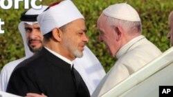 دا لومړی ځل دی چې د کاتولیک مسیحیانو یو پاپ منځني ختیځ ته سفر کوي
