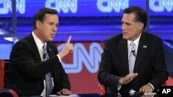 Mitt Romney(Kulia) akiwa na mpinzani wake mkuu katika jimbo la Ohio, Rick Santorum(Kushoto)
