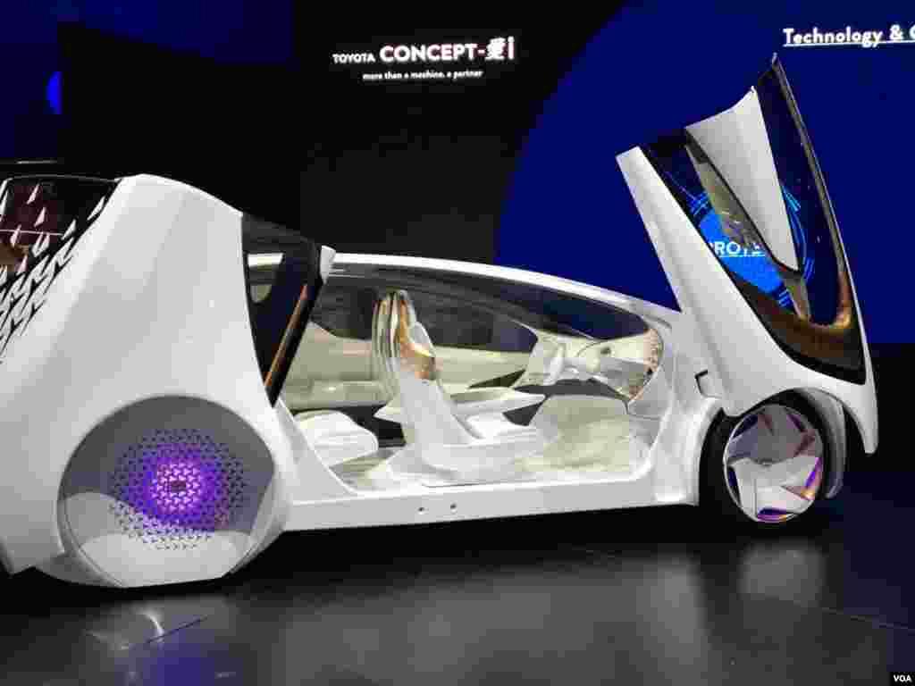 نمایشگاه محصولات الکترونیکی CES خودروی نسل آینده؛ تویوتا کانسپت آی
