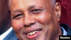索马里新总理阿卜迪韦利•谢赫•艾哈迈德12月12日在摩加迪沙举行的记者会上