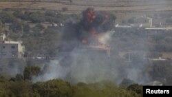Dim nakon eksplozije u sirijskom selu Barika, blizu granice Izraela i Sirije