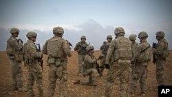 Американские военные в районе Манбиджа (архивное фото)