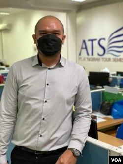 Muhammad Ramdhani, Executive Assistant ATS Vacations, berharap paket 'wisata vaksin' dapat membantu menggerakkan lagi perputaran roda bisnis travel agent yang terpuruk (VOA Indonesia).