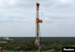 Texas eyaletinin batısındaki Permian Havzası'nda kaya gaz ve petrolü çıkarma çalışmaları