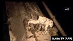سازمان فضایی روسیه یکی از ۵ سازمانی است که ایستگاه فضایی بین المللی را اداره می کنند.