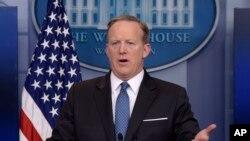 شان اسپایسر سخنگوی کاخ سفید