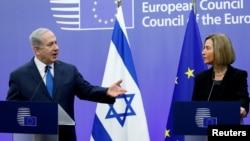 Izraelski premijer Benjamin Netanjahu i visoka predstavnica EU Federika Mogerini na konferenciji za novinare u Briselu, 11. decembar 2017.