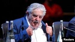 """José Mujica aseguró que """"no le parará pelota"""" (no es cuchará) las críticas sobre sus supuestos comentarios ofensivos sobre la mandataria argentina."""