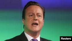 Thủ tướng Anh David Cameron đưa ra tuyên bố tại London, ngày 23/1/2013.