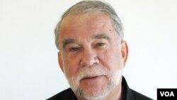 باب دیتز، هماهنگ کننده برنامه آسیا در کمیته حمایت از ژورنالستان
