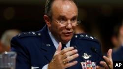 美国空军上将菲利普•布里德拉夫