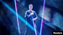 Justin Bieber trên sân khấu của sân vận động Telia Parken ở Copenhagen, Đan Mạch hôm 2/10/2016.