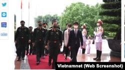 Thứ Trưởng Quốc phòng Việt Nam Hoàng Xuân Chiến và Thứ trưởng Quốc phòng Hàn Quốc Park Jae Min tại Hà Nội vào ngày 16/9/2021.