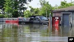 田纳西州密西西比河洪峰水位上涨