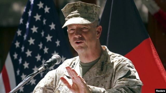 지난 4월 아프가니스탄 카불에서 미국 독립기념일 행사에 참석한 존 앨런 아프간 주둔 미군 최고사령관. (자료사진)