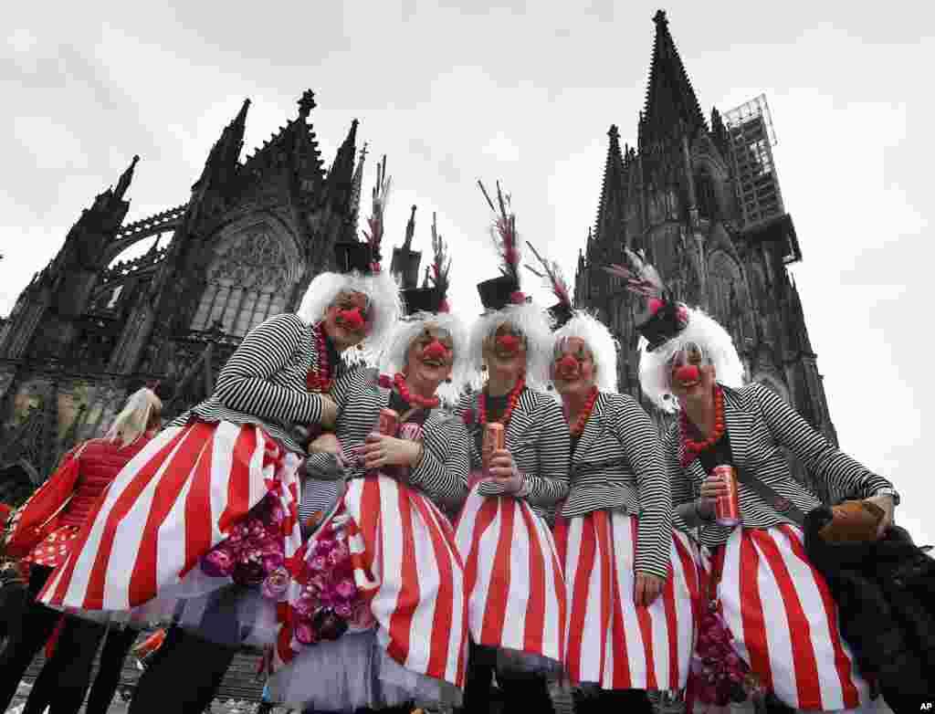 Almaniya - Kölndə karnaval