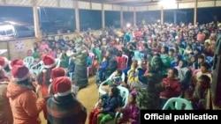 ကခ်င္စစ္ေရွာင္ ဒုကၡသည္ IDP မ်ား ခရစၥမတ္ပဲြေတာ္ က်င္းပေနစဥ္ (မွတ္တမ္းဓာတ္ပံု - KBC KACHIN)