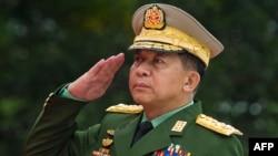 លោក Min Aung Hlaing ជាឧត្តមសេនីយ៍ជាន់ខ្ពស់នៃប្រទេសភូមា។