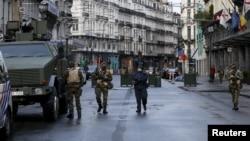 Binh sĩ Bỉ tuần tra ở trung tâm thủ đô Brussels hôm 22/11.