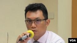 台湾两岸政策协会秘书长王智盛 (美国之音张永泰拍摄)