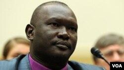 Pendeta Andudu Adam Elnail, Uskup Anglican di wilayah Kadugli, Sudan saat memberikan kesaksian soal terjadinya pembersian etnis di Kordofan, Sudan selatan (4/8).