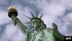 Statuja e Lirisë pajiset me kamera dixhitale