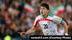 İran milli yığmasının oyunçusu, Türkmən Sərdar Azmun