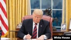 美国总统特朗普在白宫签署《亚洲再保证倡议法》。(2018年12月31日)