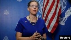 앨레이나 테플리츠 스리랑카 주재 미국대사는 30일 스리랑카 콜롬보에서 기자회견을 열었다.
