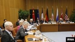 عکس آرشیوی در گفتگوهای هستهای ایران و شش قدرت جهانی موسوم به گروه ۱+۵