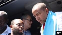 L'opposant Moise Katumbi arrive à la cour de justice de Lubumbashi, RDC, le 13 mai 2016.