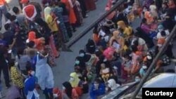 ေမလ ၁၁ ရက္က မေလးရွားႏိုင္ငံမွာ ရိုဟင္ဂ်ာေတြနဲ႔ တရားမ၀င္ႏိုင္ငံျခားသားေတြ ဖမ္းဆီးခံရတဲ့ ျမင္ကြင္း (ဓာတ္ပံု - U Thiha Maung Maung)