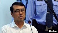 중국의 보시라이 전 충칭시 당 서기가 24일 사흘째 재판에 출석해 증언하고 있다.