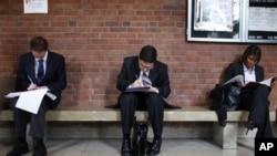 美國待業人士仍然眾多。