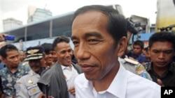 Gubernur Joko Widodo mengatakan lelang jabatan camat dan lurah bertujuan mencari kandidat yang kompeten (AP/Achmad Ibrahim).