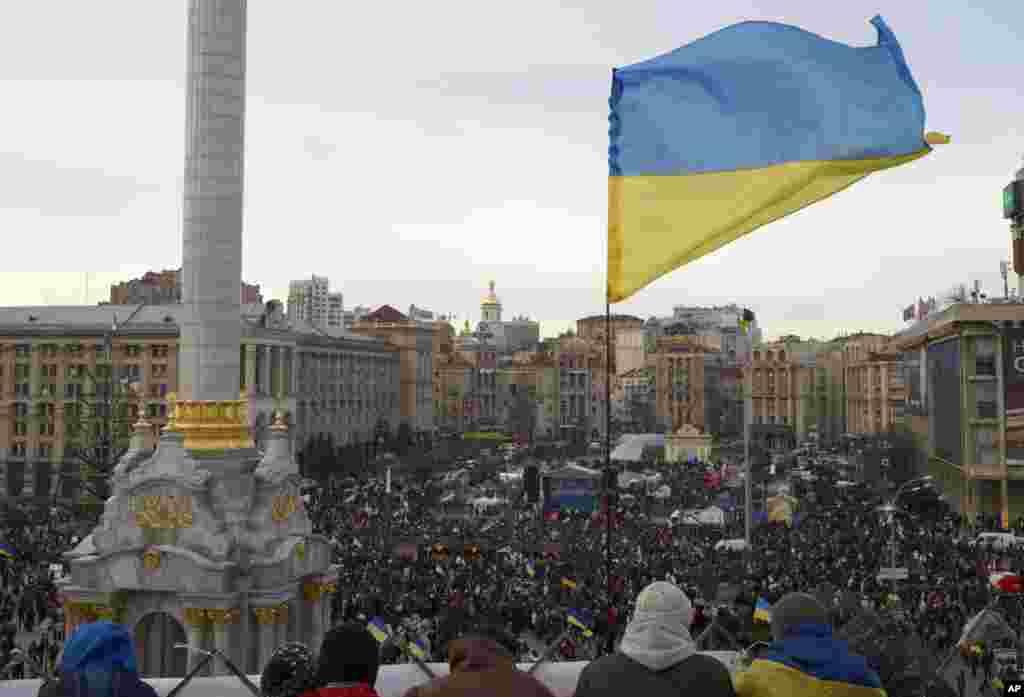 Kiyevin Azadlıq meydanı - 3 dekabr, 2013