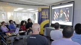 En diferentes estados del país se reunieron grupos de activistas e inmigrantes para ver en directo al presidente Barack Obama y escuchar su propuesta sobre la reforma inmigratoria.