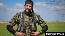 William Savage (27 tahun) warga AS yang membantu pasukan Kurdi (YPG) melawan ISIS di Suriah dilaporkan tewas (foto: dok).