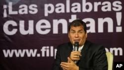El presidente de Ecuador, Rafael Correa, ha demandado a verios medios y periodistas que publican noticias revelando irregularidades en su gobierno.