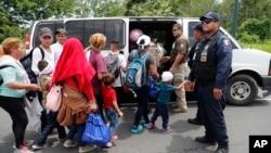 Más de 50.000 niños migrantes han quedado al cuidado del gobierno de EE.UU. desde octubre pasado.