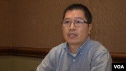 Anh Keith Robinson Nguyen. Ảnh: G. Flakus/VOA.