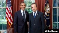 Ο Πρόεδρος Ομπάμα με το νέο Πρέσβη της Ελλάδας στην Ουάσιγκτον Χρίστο Παναγόπουλο. (Official White House Photo by Lawrence Jackson)